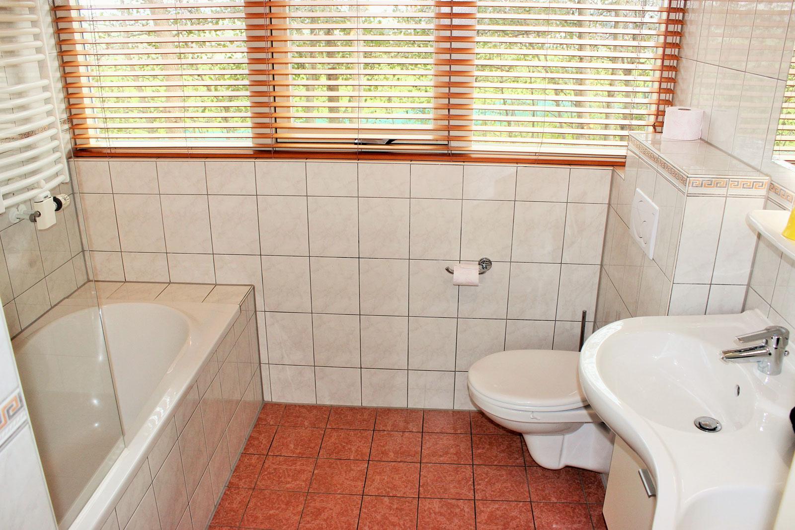 vakantiehuizen nr 12 en 14 badkamer boven